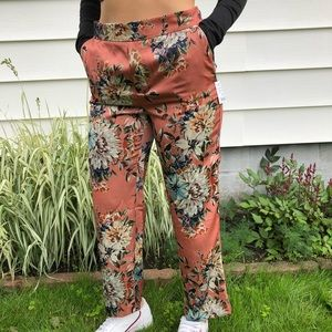 NWT Zara floral printed trousers
